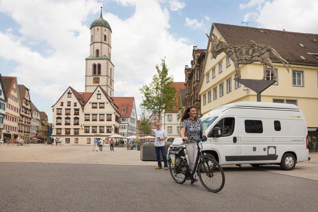 Reisemobil auf Biberacher Marktplatz