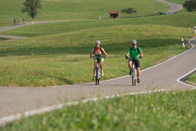 Zwei Radler in Oberschwaben-Allgäu