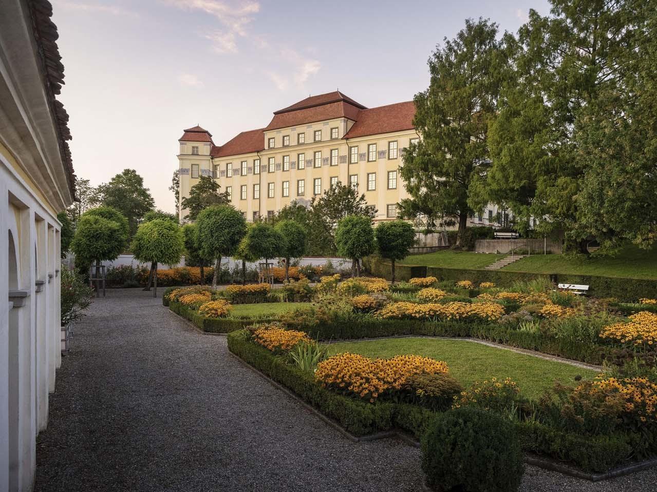 Blick in den Garten des Schlosses in Tettnang