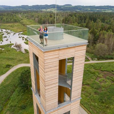 Aussichtspunkte entlang des Oberschwaben-Allgäu-Radwegs: Ausblick vom Bannwaldturm