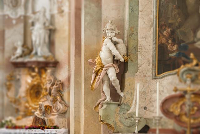 """Figur der """"Honigschlecker"""" in der Kirche Birnau"""