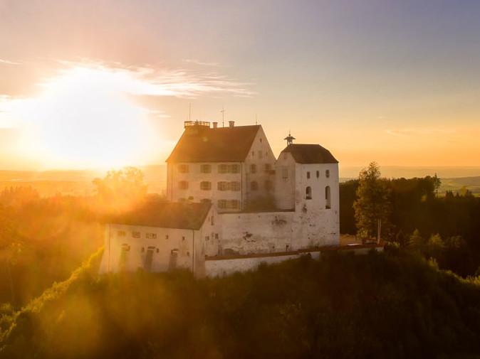 Schloss Waldburg in der Abendsonne