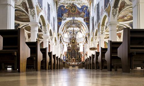 Stadtpfarrkirche St. Martin – Innenansicht