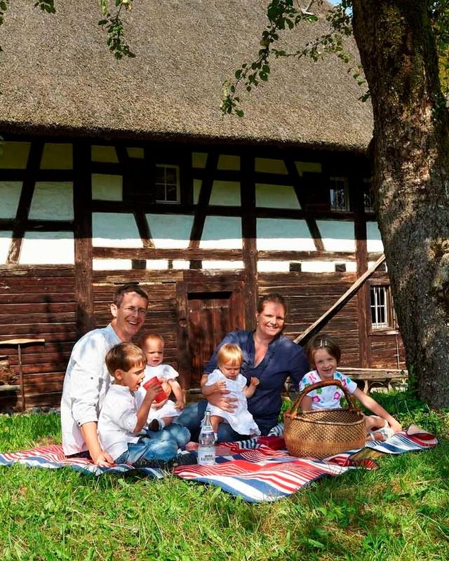 Familie im Oberschwäbbischen_Museumsdorf_Kürnbach